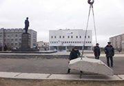 В м. Попасне незаконно блокують під'їзд до пам'ятника Леніну