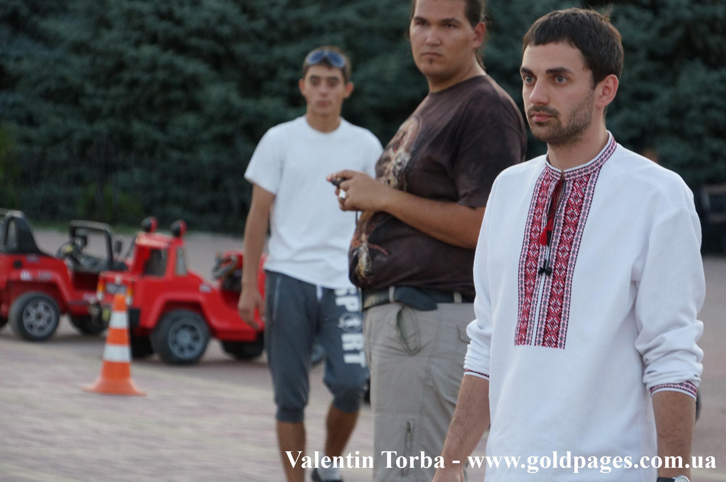 У Луганську відбувся флешмоб на підтримку українських традицій