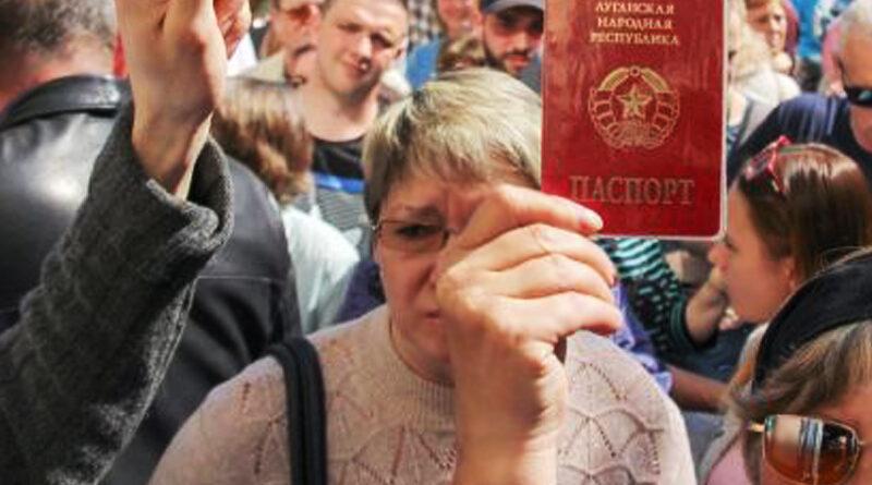 Приховані небезпеки для України від «паспортизації» в ОРДЛО, — експерт